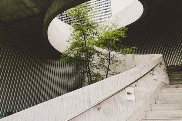Curved modern building   Kingsbridge Estates