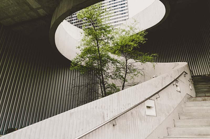 Curved modern building | Kingsbridge Estates